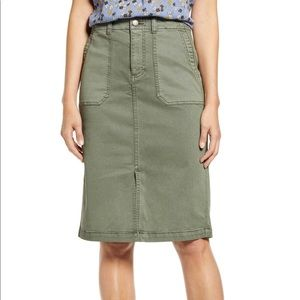 NWT Caslon Twill Cargo skirt in Olive - Sz 8P